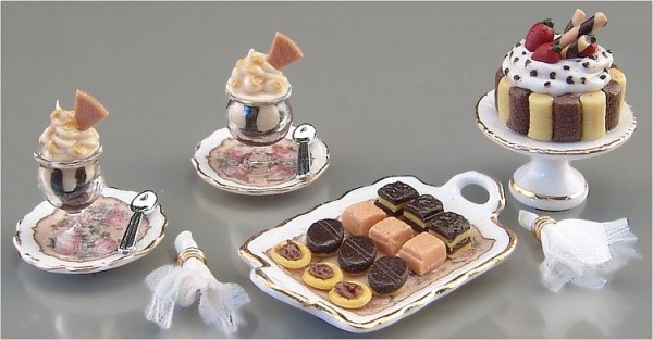 Reutter Miniaturen - Süße Leckereien 1.410/8 Kuchen Nachtisch Torte Puppenstube
