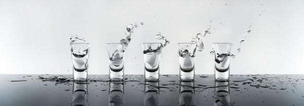 WOW Auswahl Glasbild 95x33cm Glasbild Wandbild Bild Echtglasbild Wodka 11201